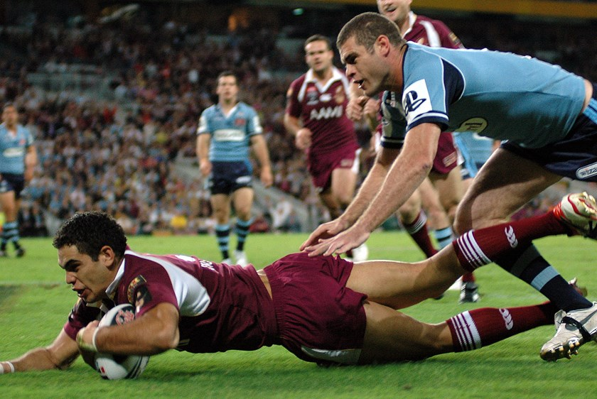 Greg Inglis scoring a try for the Maroons in 2007. Photo: QRL Media