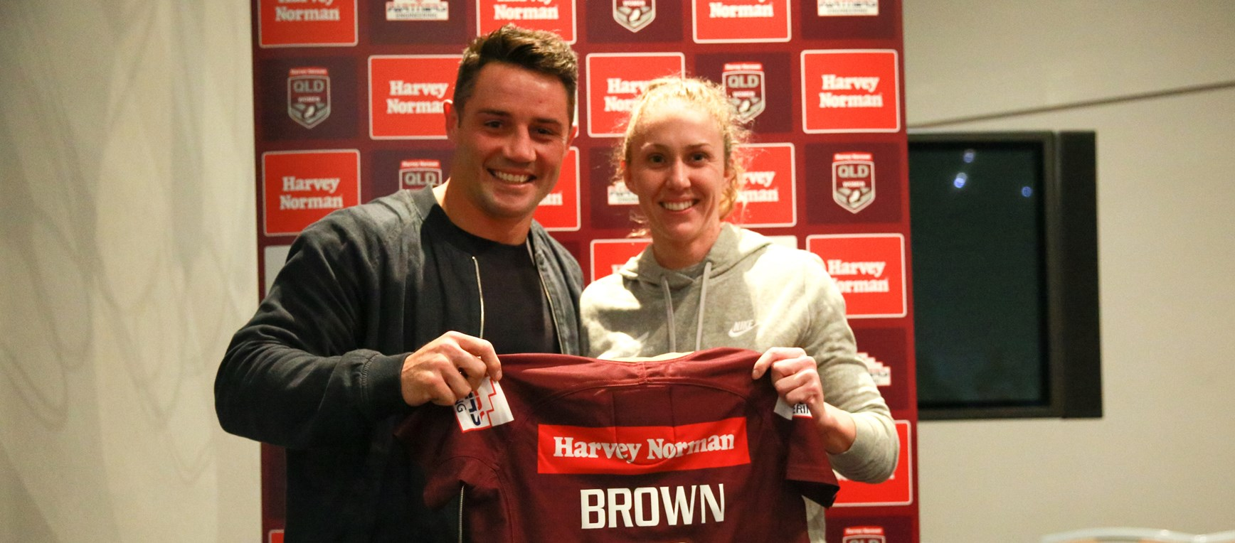Cronk on hand to present Maroons jerseys