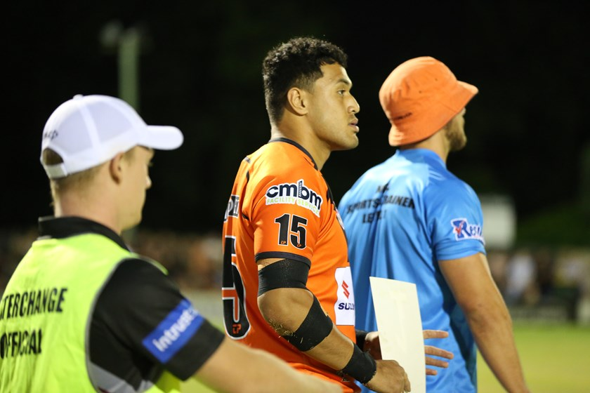 Kelma Tuilagi subbing on. Photo: QRL Media
