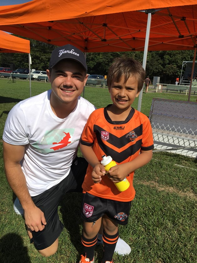 NRL star Jake Clifford who has gone on to play at the top level spent time with players from his former Tully Tigers Junior Rugby League club. Photo: Tully Tigers Junior Rugby League