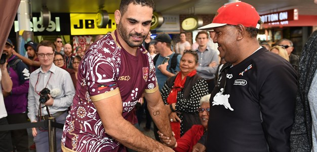 QLD Maroons in Queen St Mall