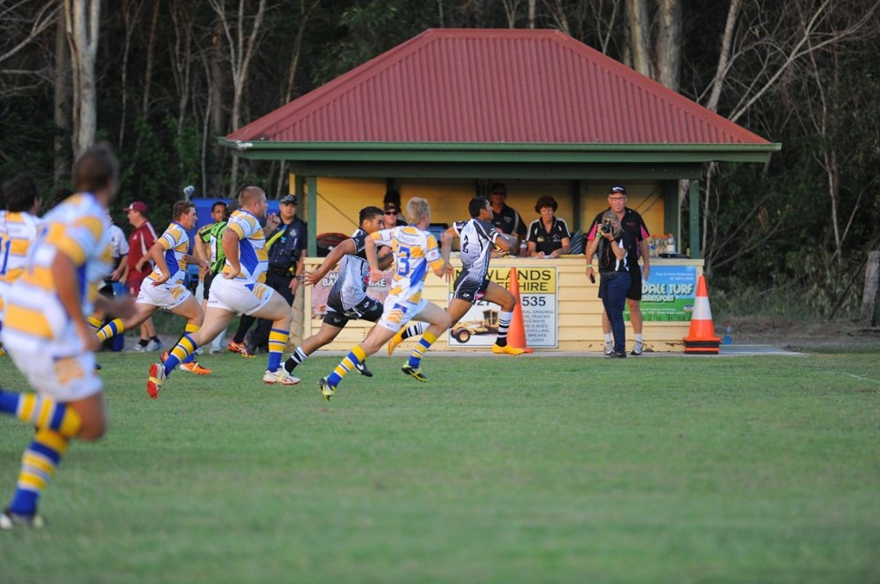A Miriam Vale player makes a break. Photo: Robert Redfern
