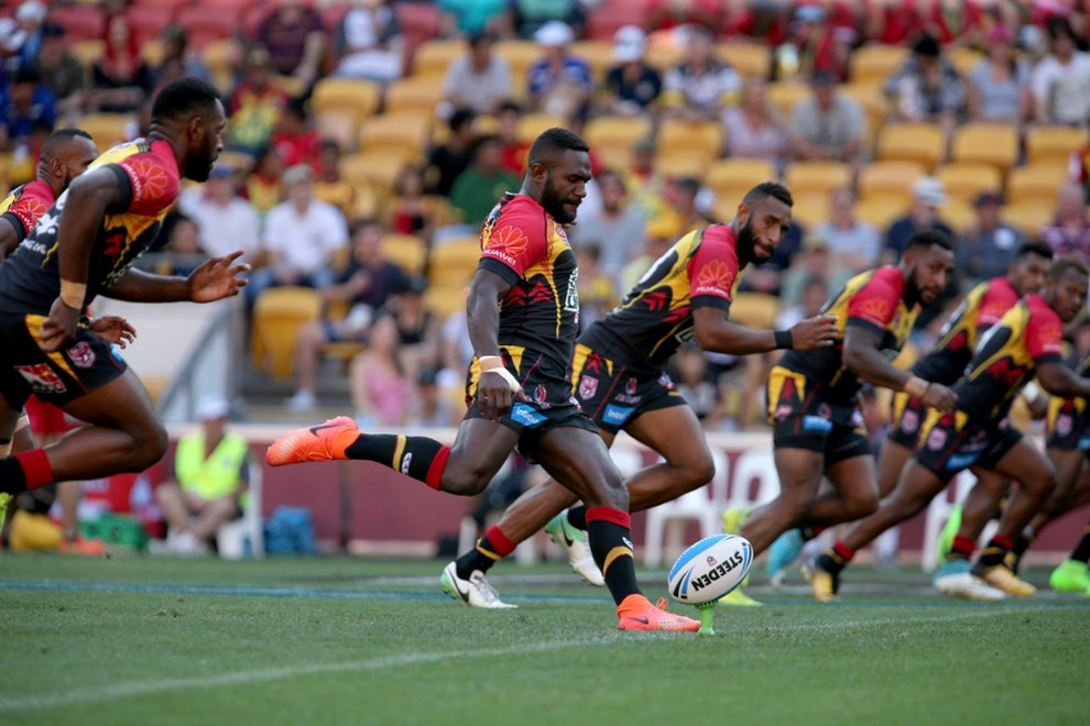 Ase Boas kicks off - Intrust Super Cup grand final - PNG Hunters v Sunshine Coast Falcons at Suncorp Stadium, Milton. 3.25pm Sunday September 24, 2017.